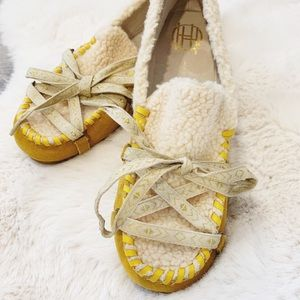 HOUSE OF HARLOW 1960 Mustard Moccasins NWOT